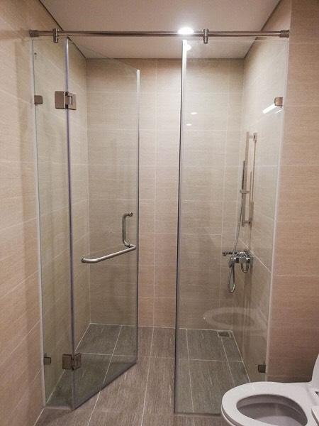 Phòng tắm kính 01