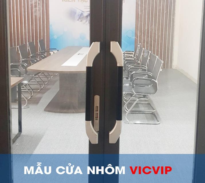 bo-cua-di-truot-quay-nhom-shalumi-chat-luong-va-gia-tot